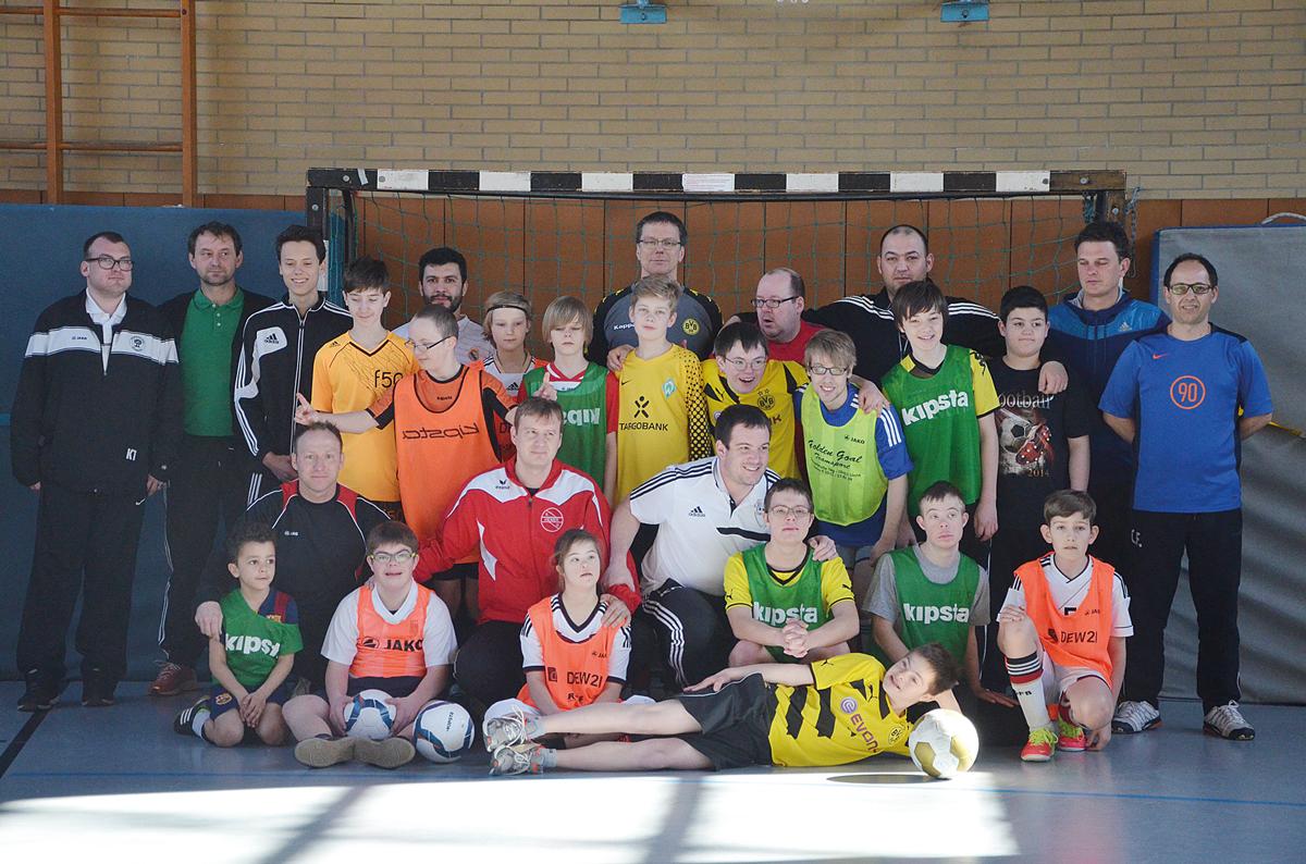 Die angehenden C-Lizenz-Trainer besuchten und unterstützten die integrative Fußballtruppe der JSG Unna/Billmerich und der Initiative Down-Syndrom.