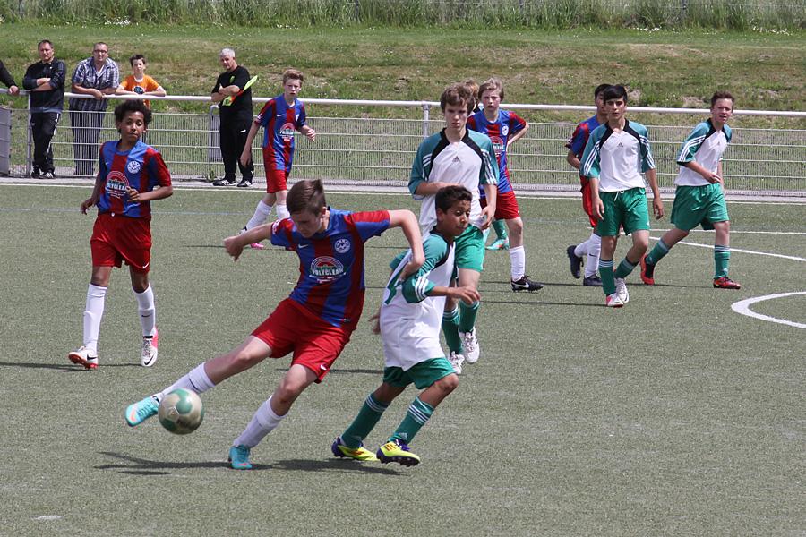 Die JSG C1-Junioren sichern sich im letzten Spiel der Saison 2012/2013 die Meisterschaft in der Kreisliga B
