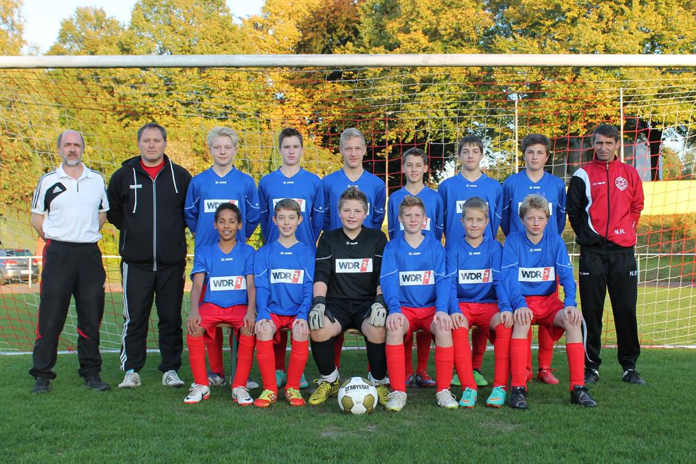 Die C1-Junioren der JSG Unna/Billmerich mit ihren neuen Trikots.